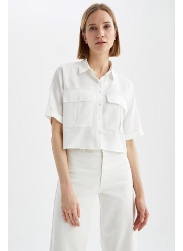DeFacto Cep Detaylı Relax Fit Crop Gömlek Beyaz